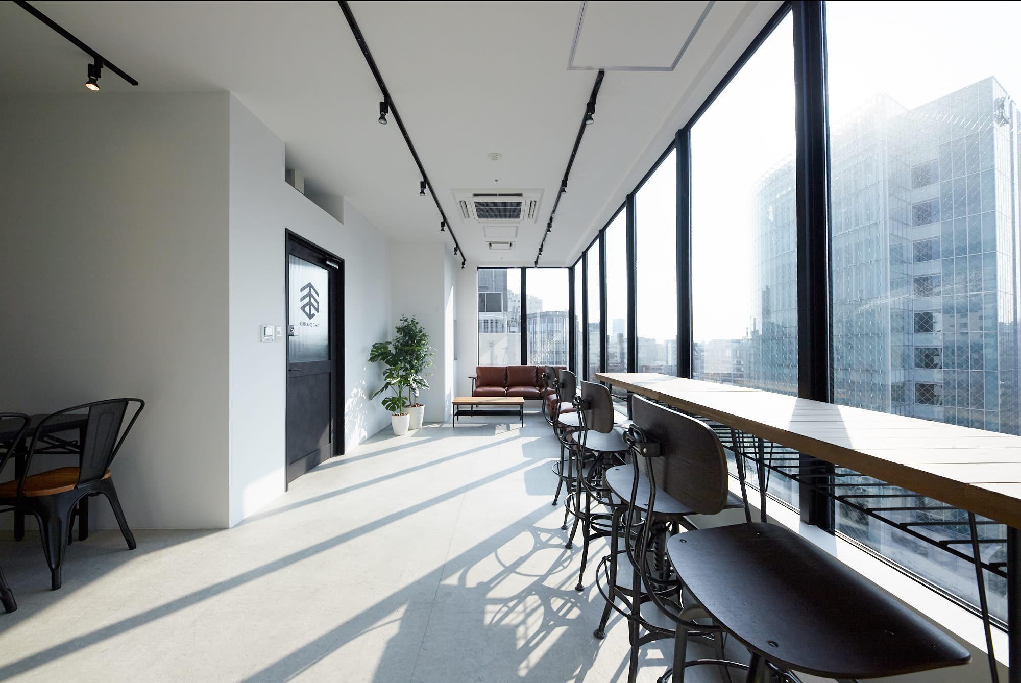 リモートワーカー必見!スペースのサブスク『Office Ticket(オフィスチケット)』で見つけるワークプレイス|TIME SHARING|タイムシェアリング|スペースマネジメント|あどばる|adval|SHARING