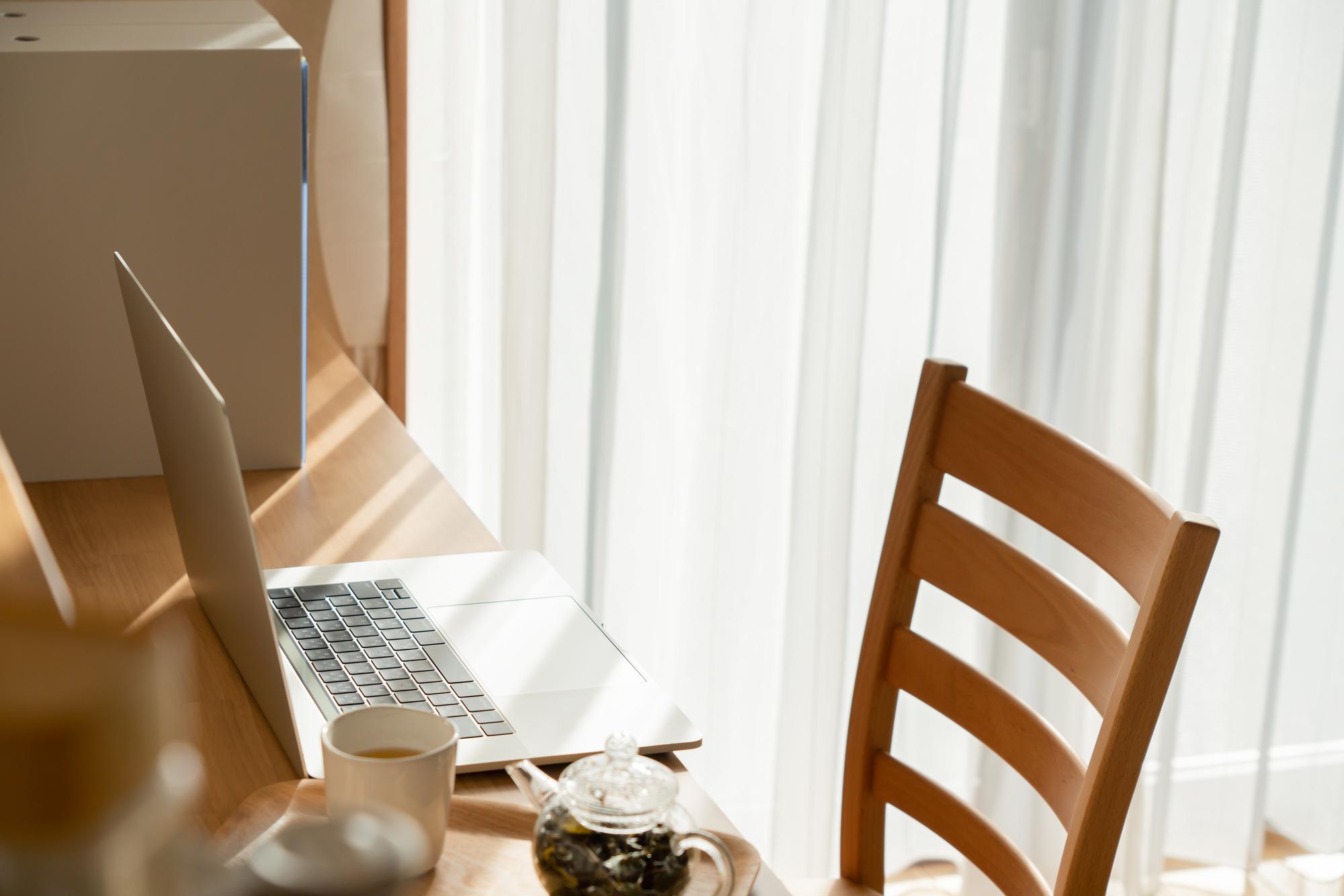 最適な環境で効率UP!テレワークにおすすめのレンタルスペース3選|TIME SHARING|タイムシェアリング |スペースマネジメント|あどばる|adval|SHARING
