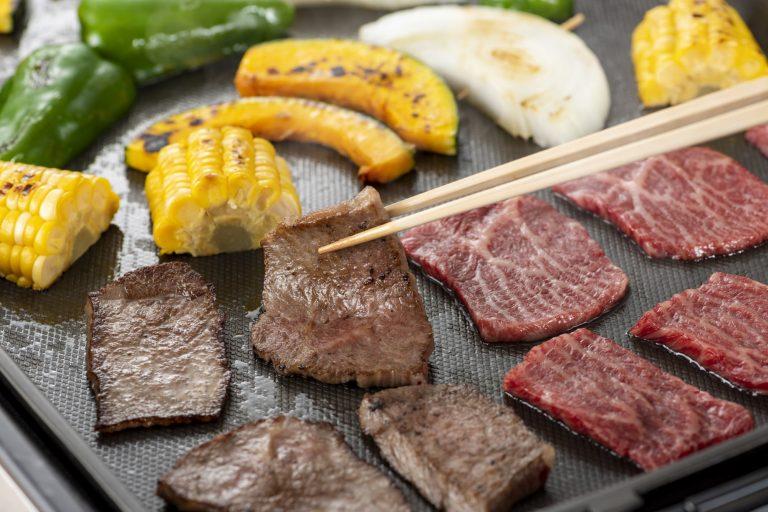 ホットプレートで楽しむ焼肉 夏はホットプレートでわいわい!おすすめホットプレートレシピ5選|TIME SHARING|タイムシェアリング |スペースマネジメント|あどばる|adval|SHARING