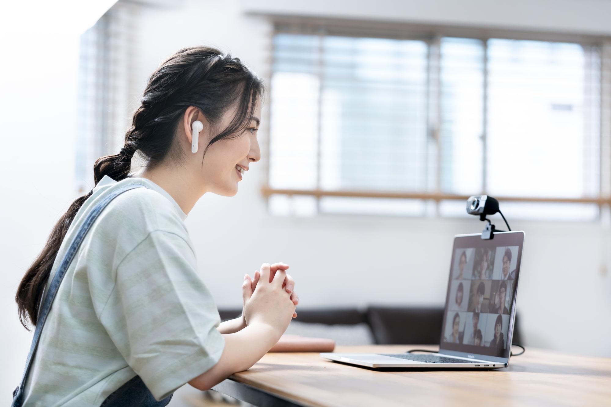 メールだけじゃキビしい?コロナ時代に使いこなしたいコミュニケーションツール5選|TIME SHARING|タイムシェアリング |スペースマネジメント|あどばる|adval|SHARING